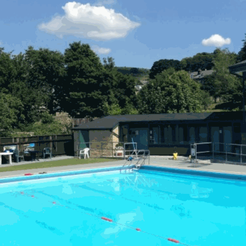 The peak centre at champion house local attractions - Hathersage open air swimming pool ...
